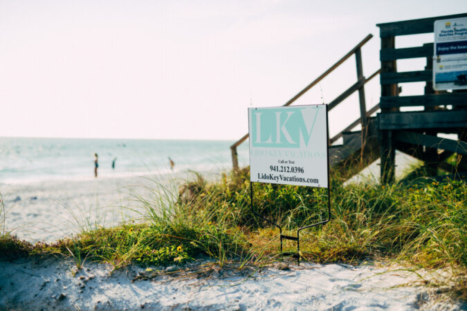 lido key rental sign