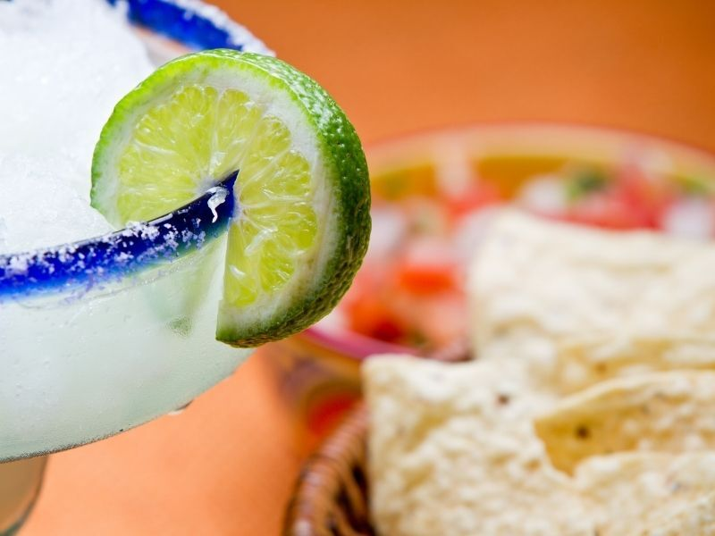 margarita and chips with salsa